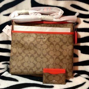 ✨NWT ✨Coach Signature File Bag & CC Holder